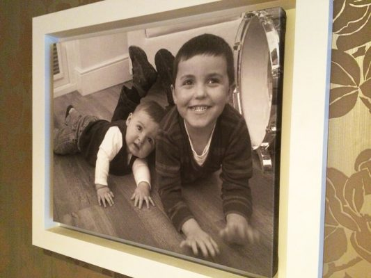 Photo on canvas and displayed in a Canvas L Frame